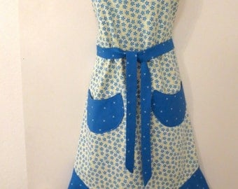 Cream/Blue Floral Print Full Apron