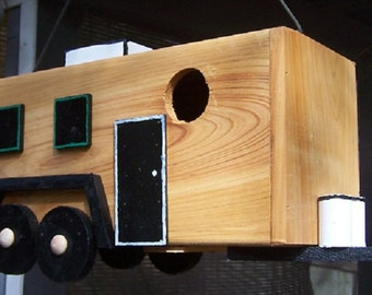 Travel Trailer Birdhouse for Two