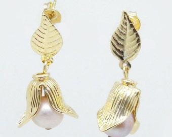 25% off- SALE!! Pearl Earrings, Dangle Earrings, 18K filled Yellow Gold Earrings, Freshwater Pearl.