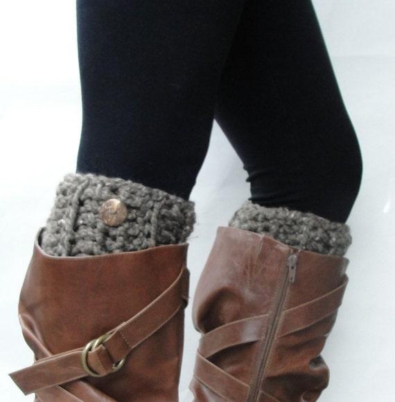 Crochet Boot Cuffs, Faux Leg Warmers, Boot Socks, in Barley w/ Button