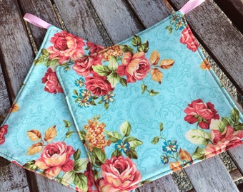 ONE (1)  Pot Holder - Roses on Blue with Loop