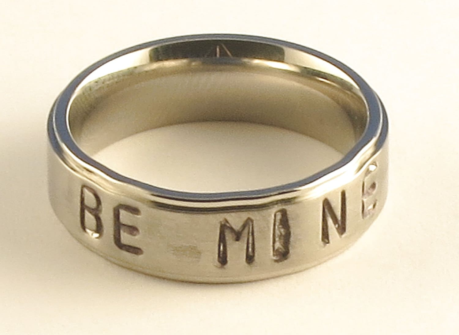 BE MINE Stainless Steel Tri-Band Brushed Flat Comfort Fit Name Ring 6mm