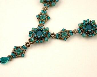 Swarovski emerald crystals necklace (N10021)
