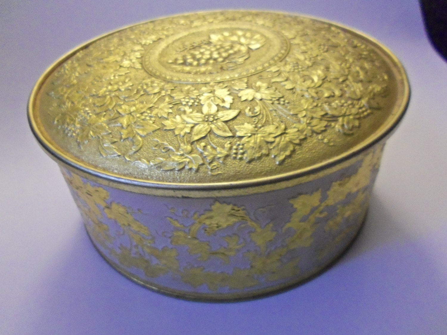 Vintage Guildcraft Gold Tin Metal Sewing Storage Container