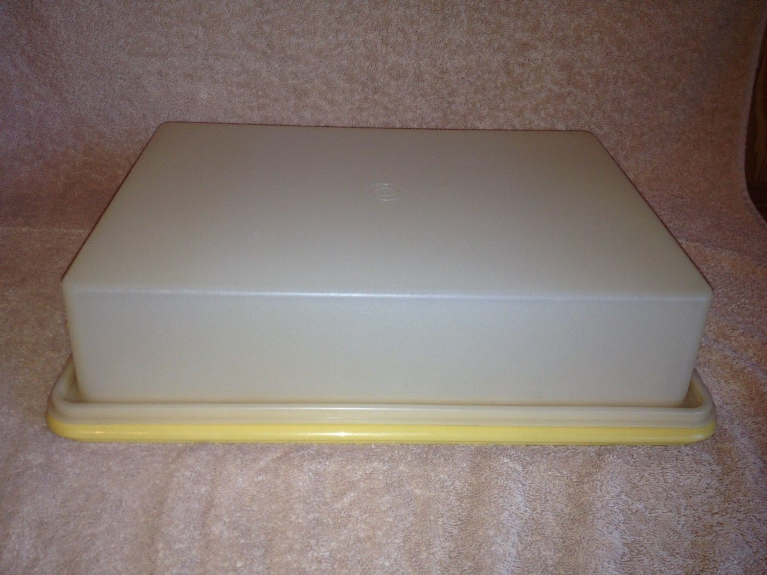Vintage Tupperware Rectangle 13x9 Covered Sheet Cake Server