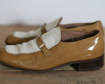 vintage disco slip on shoes mustard and cream patent leather size 8.5D