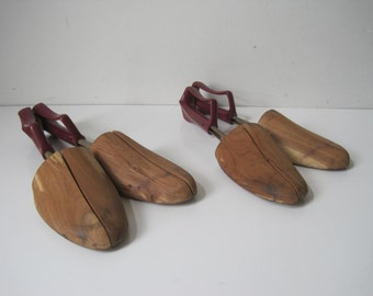 Lot of 2 Mens Vintage Travel Tree Shoe Keepers by Rochester Wooden Shoe Stretchers Size XL  E683Bs