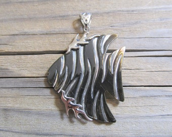 925 Sterling Silver Black Lip Shell Artisan Tropical Fish Pendant