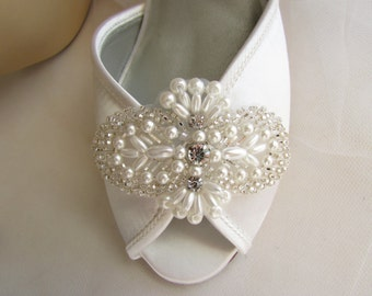 bridal shoe clips, wedding shoe clips, rhinestone and pearl bridal shoe clips