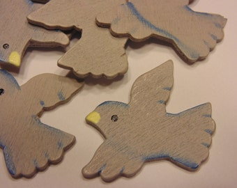5 painted wood birds, 28 x 32 mm (A12)