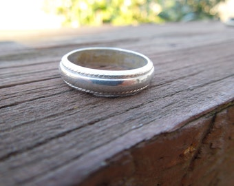 Vintage Silver Ring, Band Style, Stamped 925, Size 7.5.  Nice simple design