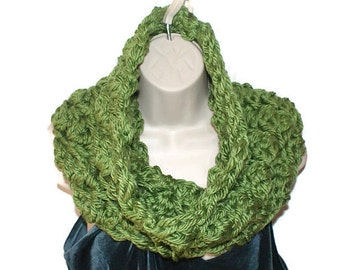 Scarf for Women, Knit Scarf, Crochet Circle Scarf, Adult Scarf, Chunky Knit Cowl, Hand Crochet Scarf, Scarf Cowl Gifts Under 50, Cowl