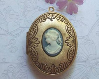"Ready-to-Fill Solid Perfume Locket,   ""Alexa""  SKU: B1320"
