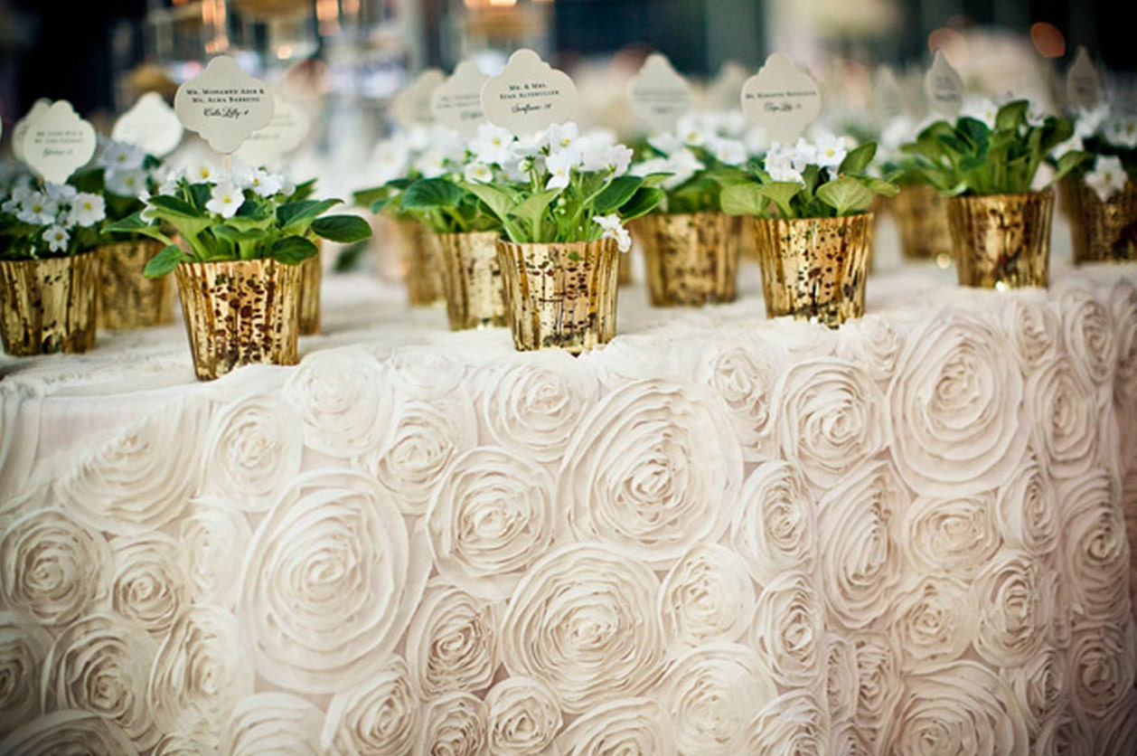 Best 25  Table cloth wedding ideas on Pinterest | Burlap bridal ...