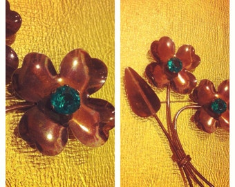 COPPER & RHINESTONES - 1950's 1960's HUGE Flower Power Copper / Brass Metal Pin Brooch w/ Prong Set Turquoise Faceted Rhinestones 4 1/2 in.
