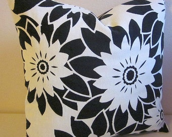 Retro Pop Art Pillow Cover Large Print Floral Pillow Black and White Throw Daisy Flower Pillow Pillow Cushion  Decorative Pillow