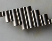 Vintage Handcrafted sterling silver modernist mid century modern brooch pin Art Deco inspired 1960's excellent condition.