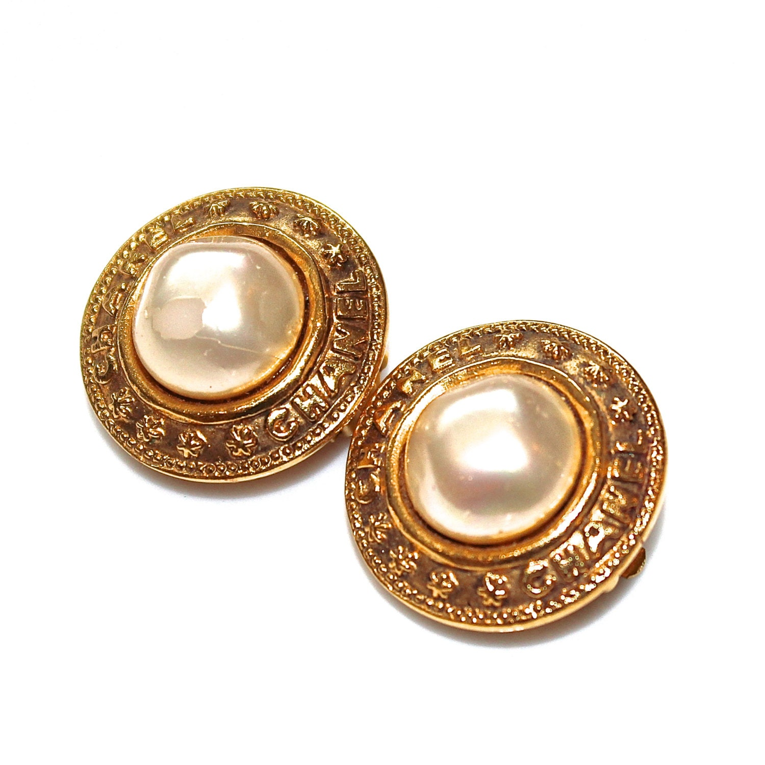 channel jewelry earrings vintage chanel pearl earrings designer vintage chanel 167