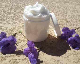 Cinnamon And Cloves - Scented Shea Butter Cream Lotion  - 8 oz Jar