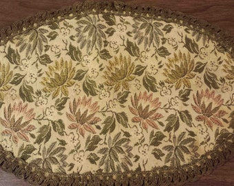 Vintage OVAL BROCADE DOILEY table runner scarf floral tapestry needlepoint centerpiece metallic lace trim