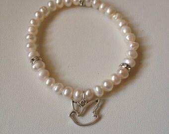Pearl bracelet, White CFW Pearl,Crystal & Dove Charm Bracelet