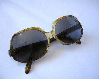 Awesome style Vintage Women's  Eyeglasses - See our huge collection of vintage eyewear