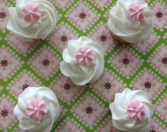 Light Pink Royal Icing Flowers (100)