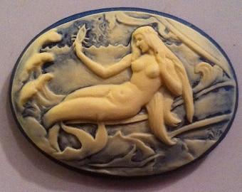 Resin Cameo - Beautiful Mermaid Ivory on Black - Sea Nymph  - 40x30mm