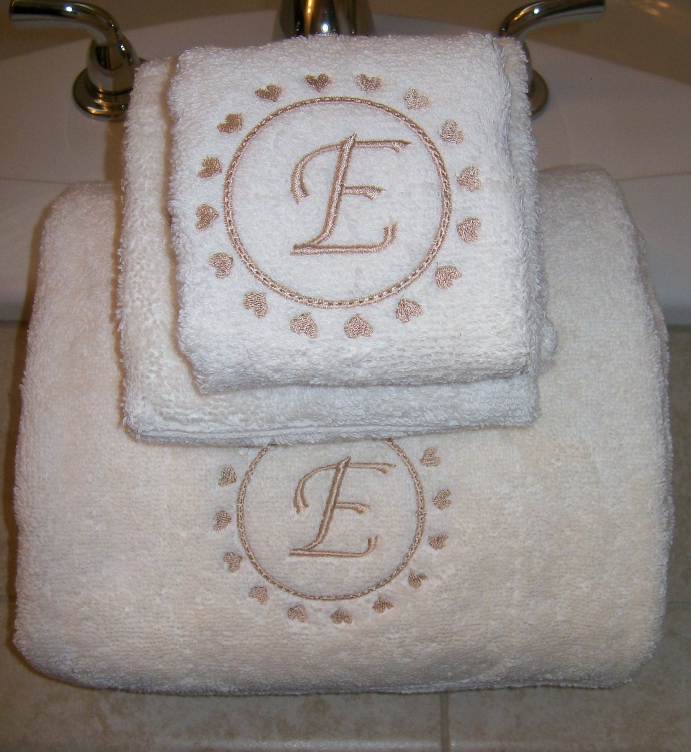 Embroidered Towels Custom: Embroidered Personalized Valentines Day Bath Towel Set With