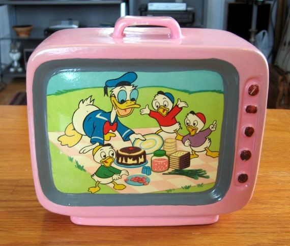 vintage 1960s ceramic donald duck pink tv bank. Black Bedroom Furniture Sets. Home Design Ideas