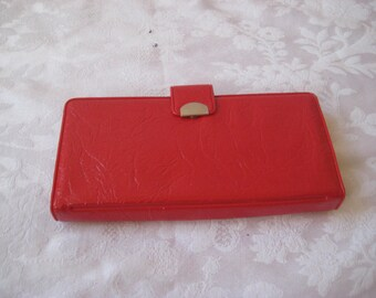 Shiny red vinyl wallet, vintage red wallet, 60s 70s