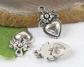 15Pcs aTibetan silver flower & heart charms beads H0169