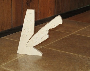 Knife On Target Wood Stand Up Puzzle