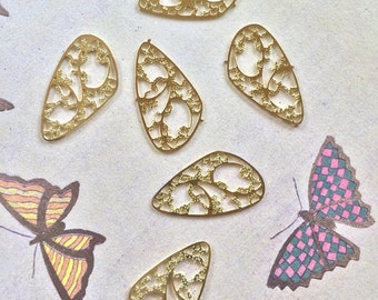 Vintage Butterfly Wings, Butterfly Wing Charms, Old Brass Lace, 28m, 3Pair