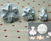 set of 3 embossed snow flake cookie cutter, snowflake fondant cutter, biscuit cutter, winter themed cookie plunger cutter for cupcake, cake
