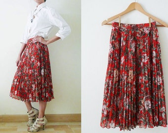 vintage 70's RED berry Pleated skirt,midi skirt,chiffon skirt,flowers and berry printed,spring-summer, full skirt,trendy, ALL PLEATED, Small