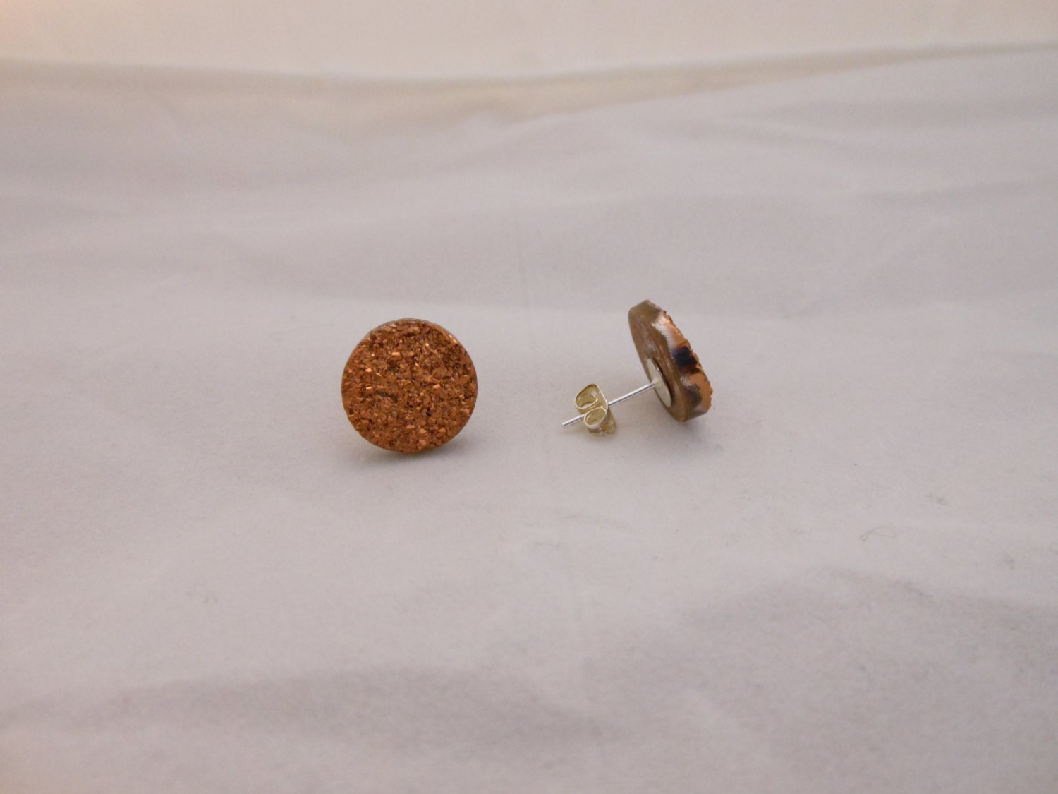 Copper colored jewelry : Copper color gem earrings