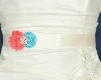 Wedding Belt, Wedding Sash, Bridal Belt, Bridal Sash, Wedding Dress Belt, Dress Sash, Bridesmaid Belt, Shabby Chiffon Rosette, Custom Colors