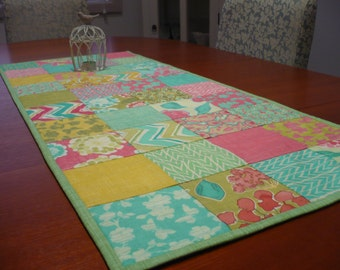 "Patchwork Table Runner Moda ""Spring House"""