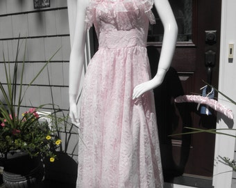 Pretty in Pink Strapless Gown