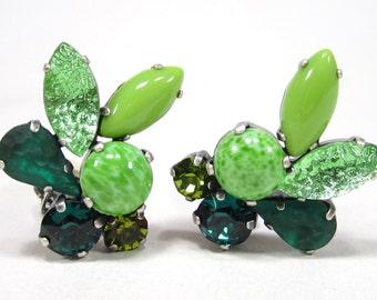 SoHo clip earring bohemia 1960er Jahre navette emerald peridot true vintage