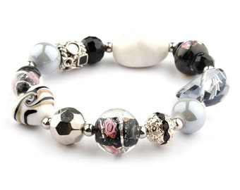 White and Black Glass and Crystal Fashion Beaded Bracelet