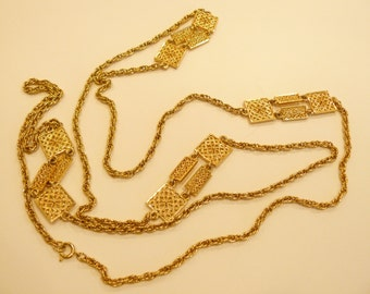 Beautiful Vintage Ornate Filigree Element Gold Tone Necklace