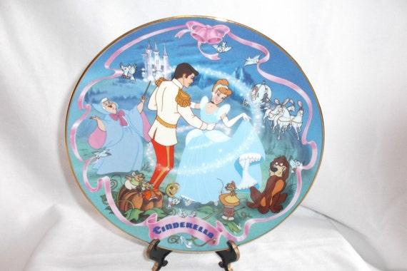 Vintage Walt Disney Cinderella Musical Plate