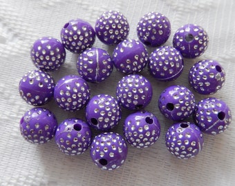 20  Grape Plum Purple & Silver Polka Dotted Etched Round Acrylic Beads  10mm