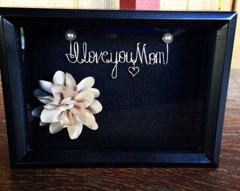 Mother of the bride. Valentines day. Wedding. Mothers day. Mom birthday. Mother. Wire name. Wire art. Shadow box. Bridal shower. Flower.