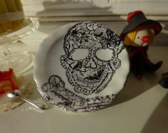 White Halloween Skull Plate for Dollhouse