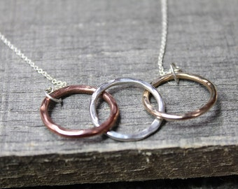 3 Interlocking Hammered Circles Infinity Necklace - Mixed Metals Gold Silver Rose Gold Family Love