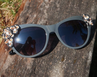 Gold and Grey Flower Sunglasses