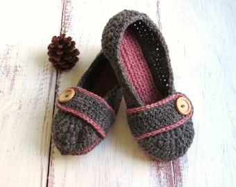 MADE TO ORDER Crochet House Slippers Charcoal Grey and Pink Wool with Buttons Tab for Women